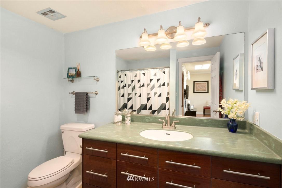 Sold Property | 3722 27th Place W #402 Seattle, WA 98199 16