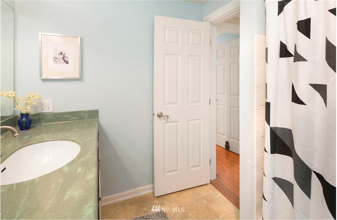 Sold Property | 3722 27th Place W #402 Seattle, WA 98199 17