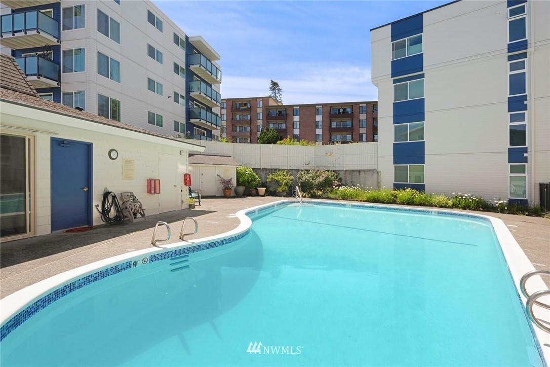 Sold Property | 3722 27th Place W #402 Seattle, WA 98199 21