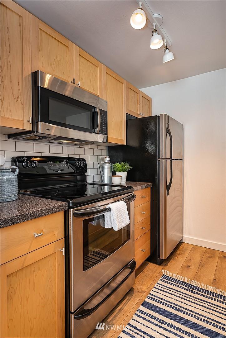 Sold Property | 6700 NE 182nd Street #D102 Kenmore, WA 98028 6
