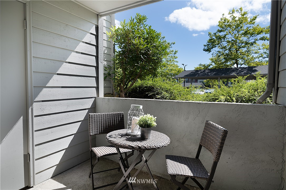 Sold Property | 6700 NE 182nd Street #D102 Kenmore, WA 98028 12