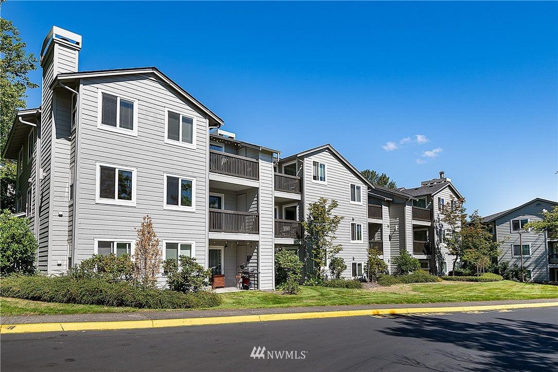 Sold Property | 6700 NE 182nd Street #D102 Kenmore, WA 98028 16
