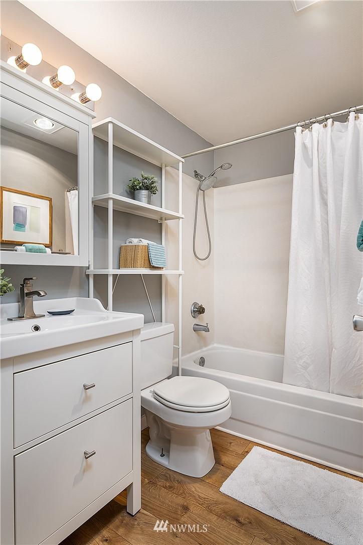 Sold Property | 6700 NE 182nd Street #D102 Kenmore, WA 98028 7
