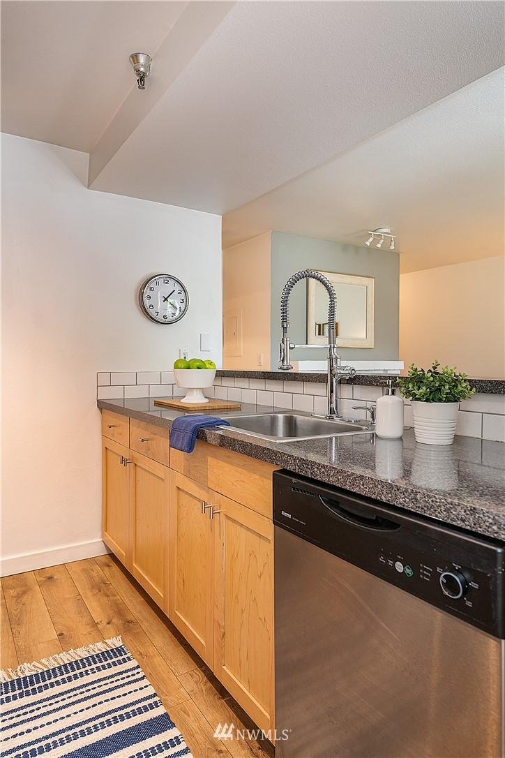 Sold Property | 6700 NE 182nd Street #D102 Kenmore, WA 98028 5