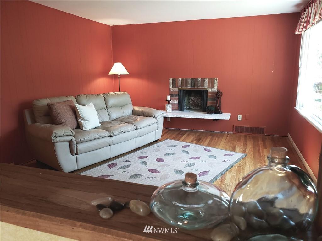 Sold Property | 4724 49th Avenue SW Seattle, WA 98116 2