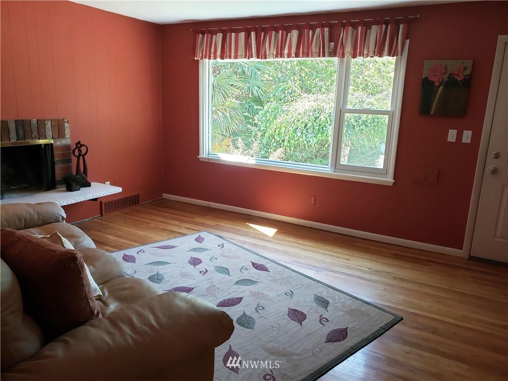 Sold Property | 4724 49th Avenue SW Seattle, WA 98116 3