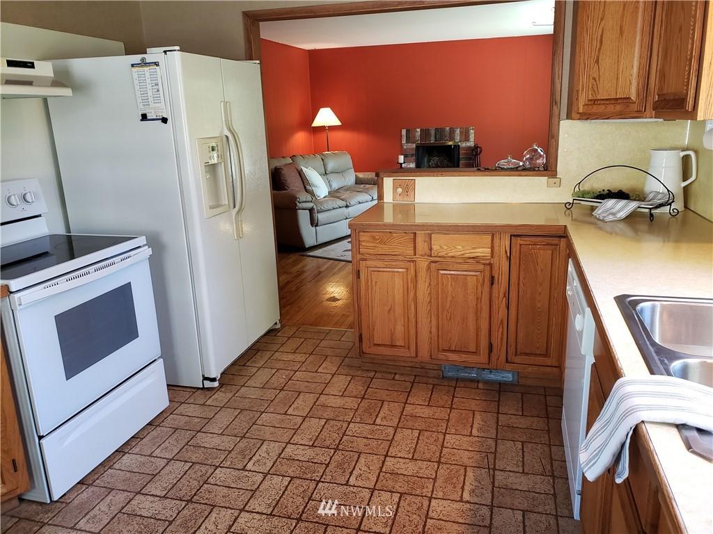 Sold Property | 4724 49th Avenue SW Seattle, WA 98116 9