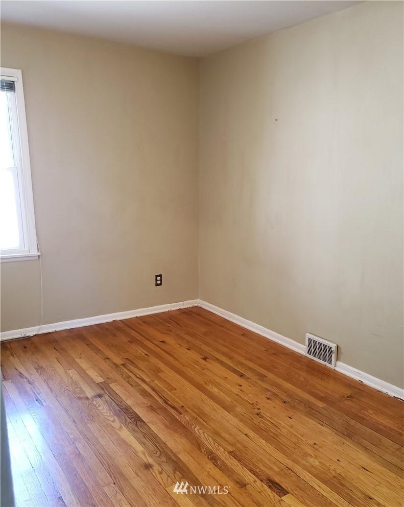 Sold Property | 4724 49th Avenue SW Seattle, WA 98116 11