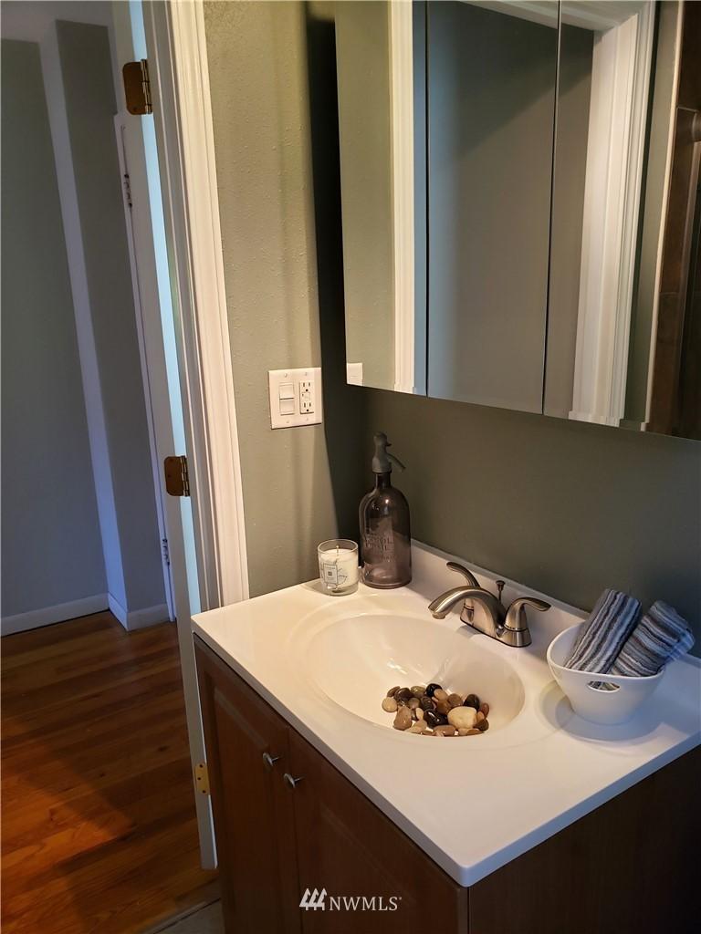 Sold Property | 4724 49th Avenue SW Seattle, WA 98116 15