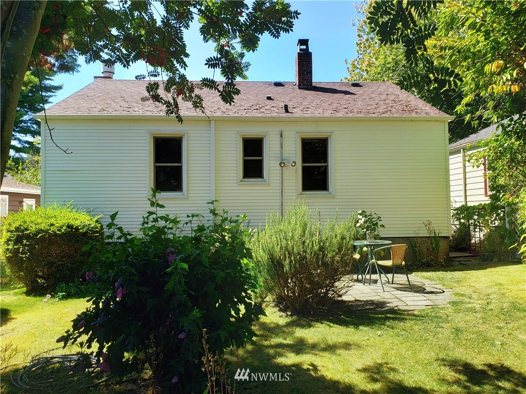 Sold Property | 4724 49th Avenue SW Seattle, WA 98116 20