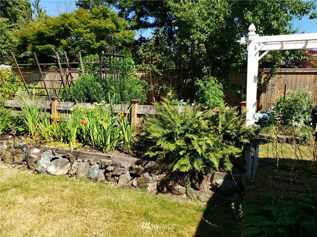 Sold Property | 4724 49th Avenue SW Seattle, WA 98116 24