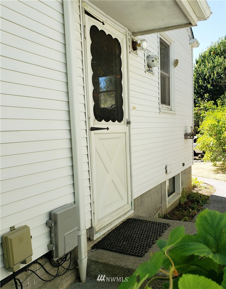 Sold Property | 4724 49th Avenue SW Seattle, WA 98116 28