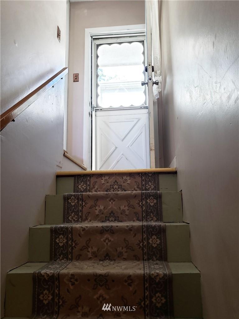 Sold Property | 4724 49th Avenue SW Seattle, WA 98116 32
