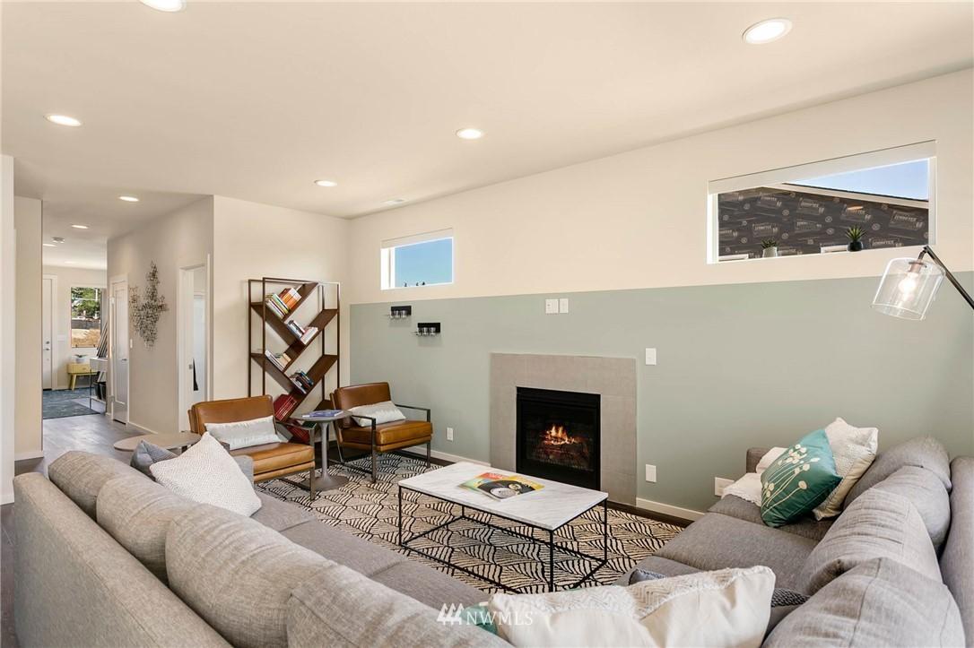 Sold Property | 9654 2nd Avenue SW Seattle, WA 98106 6