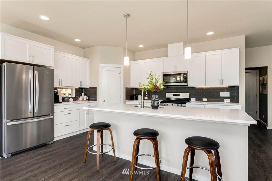 Sold Property | 9654 2nd Avenue SW Seattle, WA 98106 3