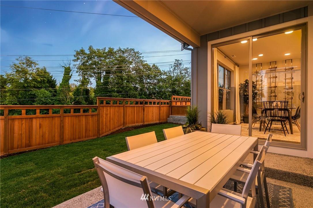 Sold Property | 9654 2nd Avenue SW Seattle, WA 98106 26