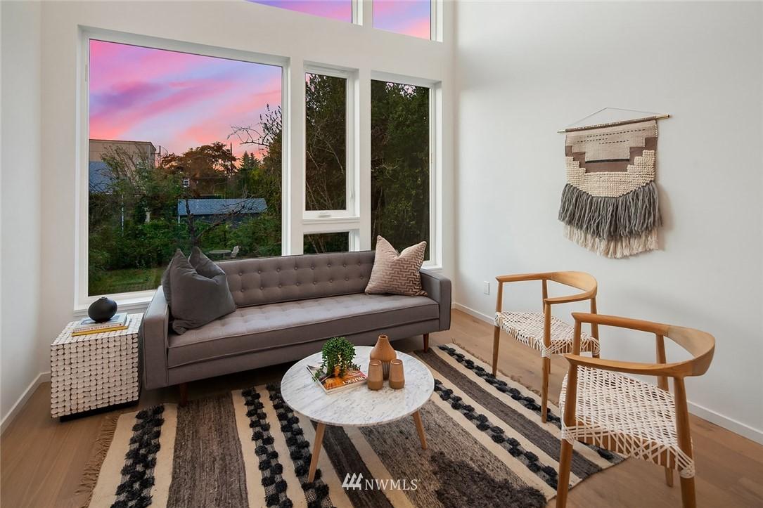 Sold Property | 2612 E Yesler Way Seattle, WA 98122 10