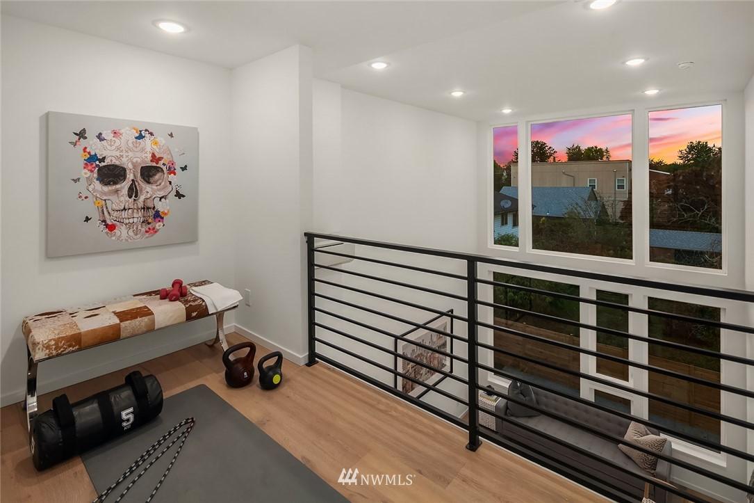 Sold Property | 2612 E Yesler Way Seattle, WA 98122 11