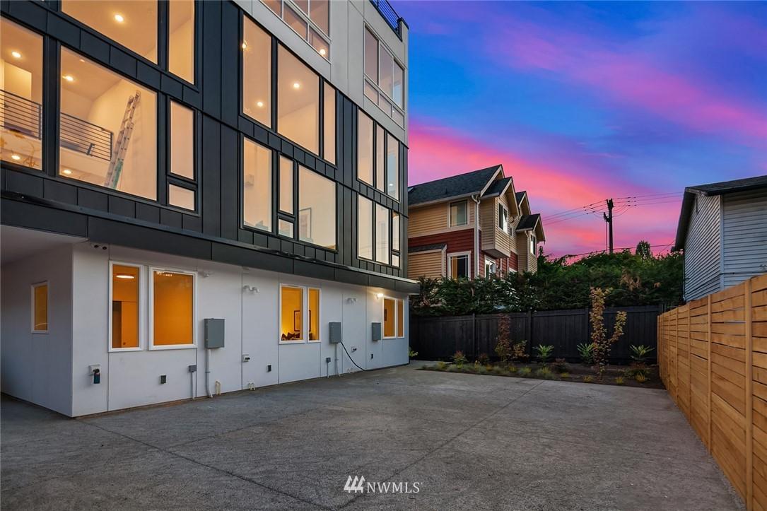 Sold Property | 2612 E Yesler Way Seattle, WA 98122 21