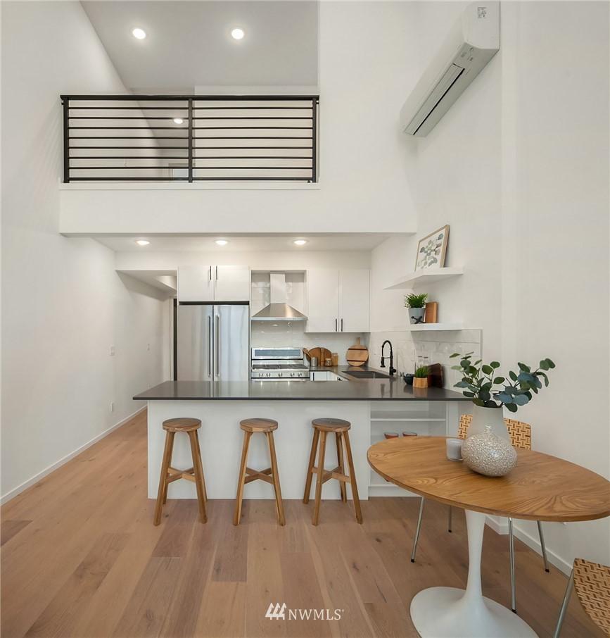 Sold Property | 2606 E Yesler Way Seattle, WA 98122 6