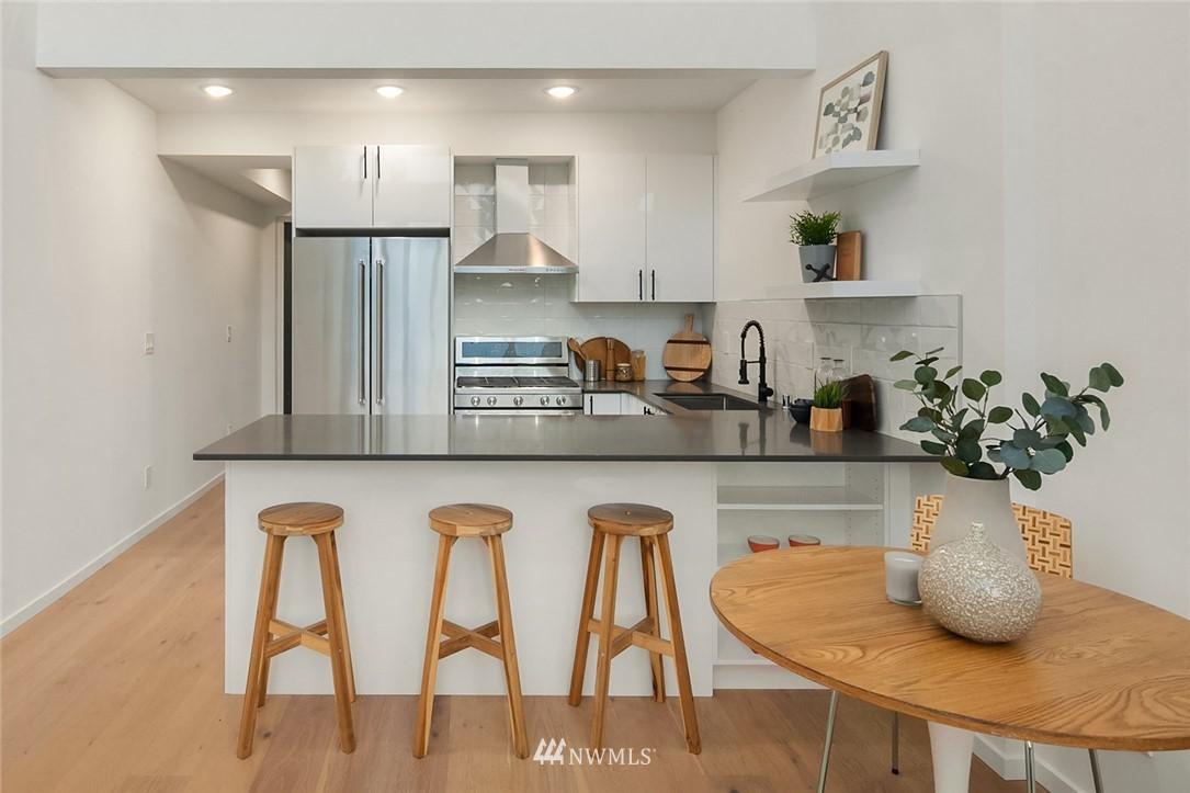 Sold Property | 2608 E Yesler Way Seattle, WA 98122 8