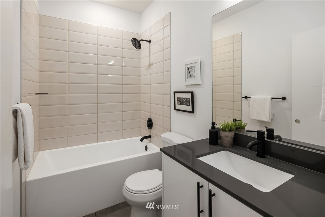 Sold Property | 2614 E Yesler Way Seattle, WA 98122 18