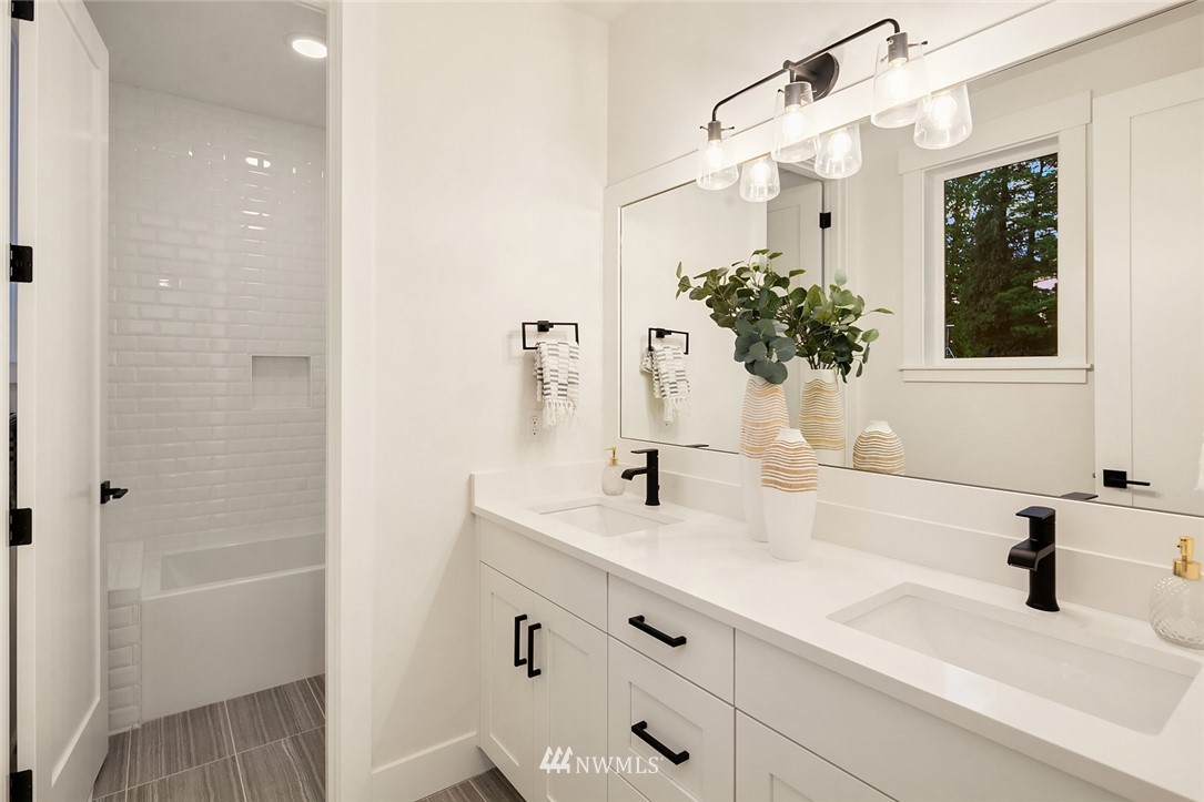 Sold Property | 12049 20th Avenue NE Seattle, WA 98125 19