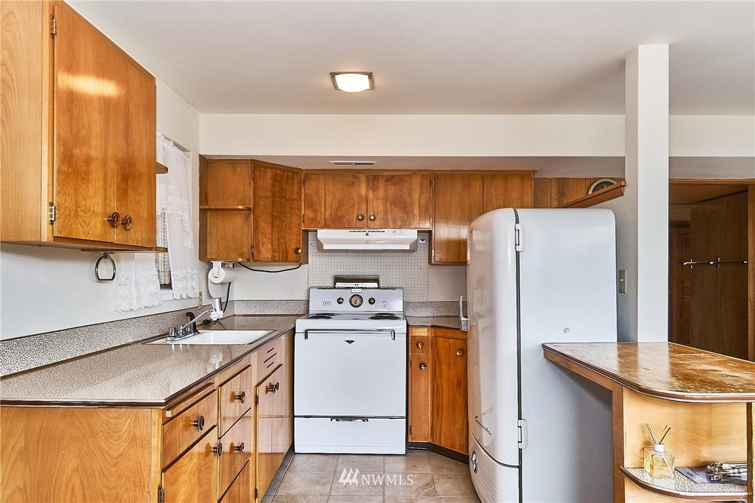 Sold Property | 9910 64th Avenue S Seattle, WA 98118 20