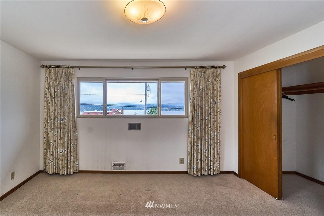 Sold Property | 9910 64th Avenue S Seattle, WA 98118 28