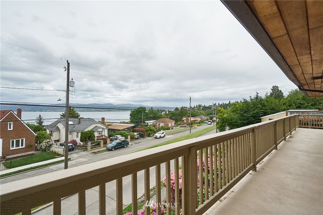 Sold Property | 9910 64th Avenue S Seattle, WA 98118 16