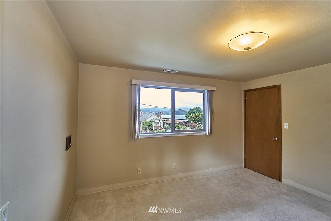 Sold Property | 9910 64th Avenue S Seattle, WA 98118 29