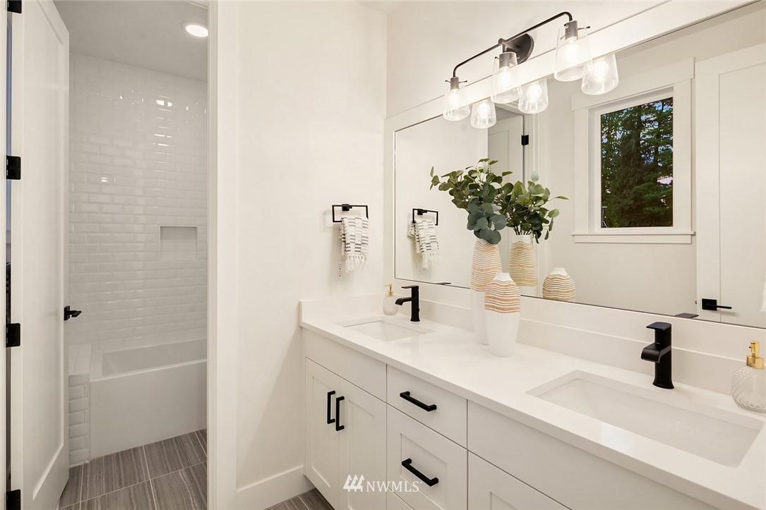 Sold Property | 12051 20th Avenue NE Seattle, WA 98125 19