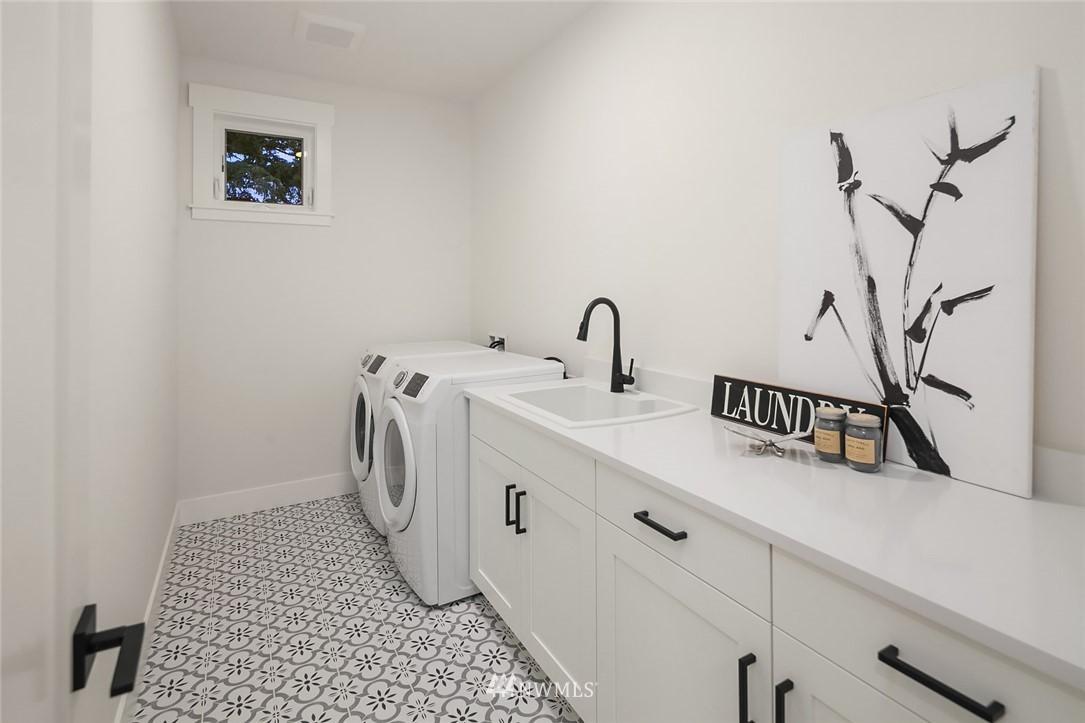 Sold Property | 12051 20th Avenue NE Seattle, WA 98125 27