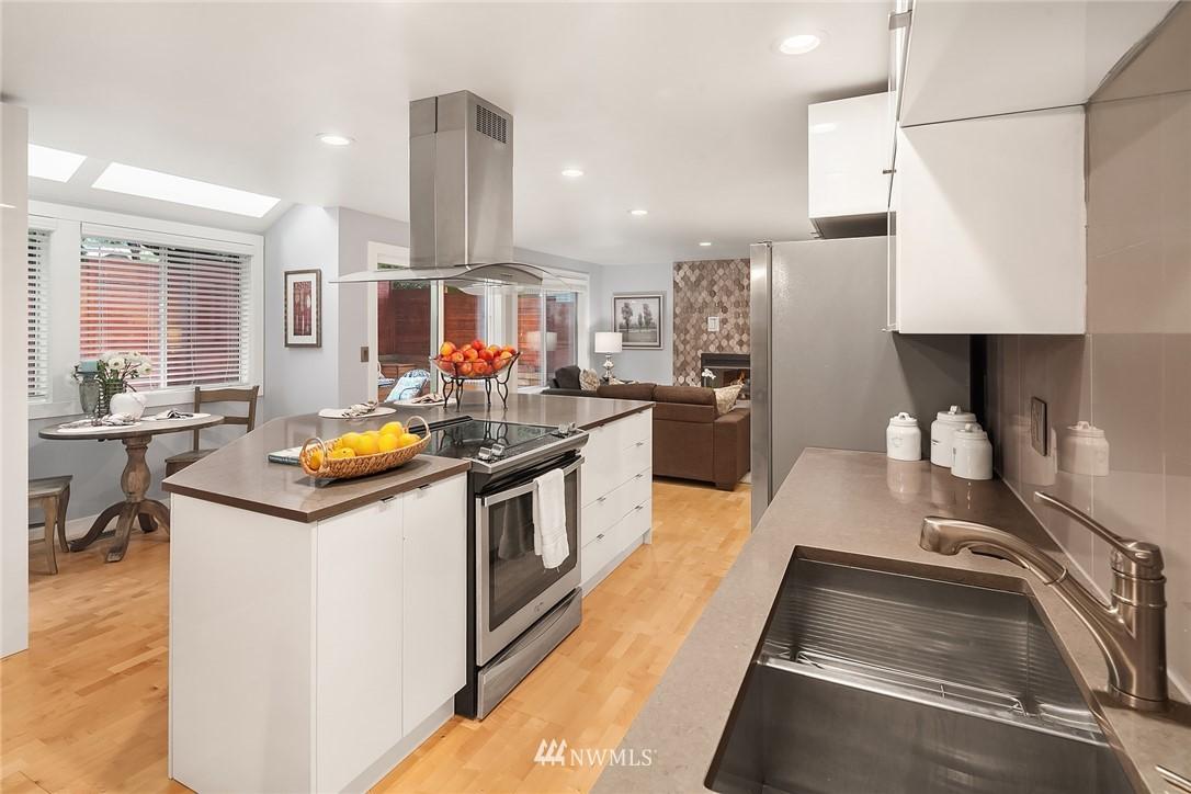 Sold Property | 3212 NE 198th Place Lake Forest Park, WA 98155 5