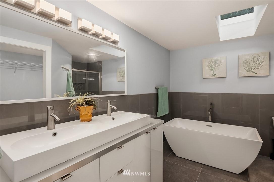 Sold Property | 3212 NE 198th Place Lake Forest Park, WA 98155 13