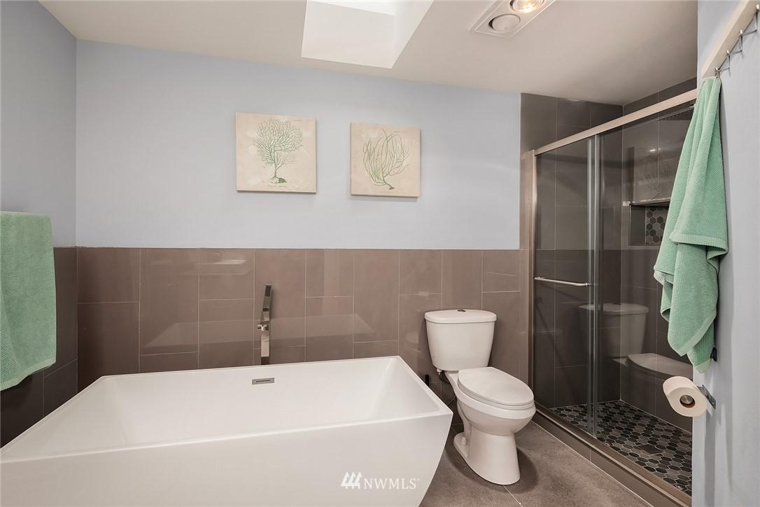 Sold Property | 3212 NE 198th Place Lake Forest Park, WA 98155 14