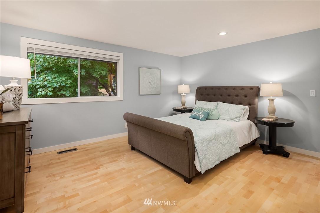 Sold Property | 3212 NE 198th Place Lake Forest Park, WA 98155 15