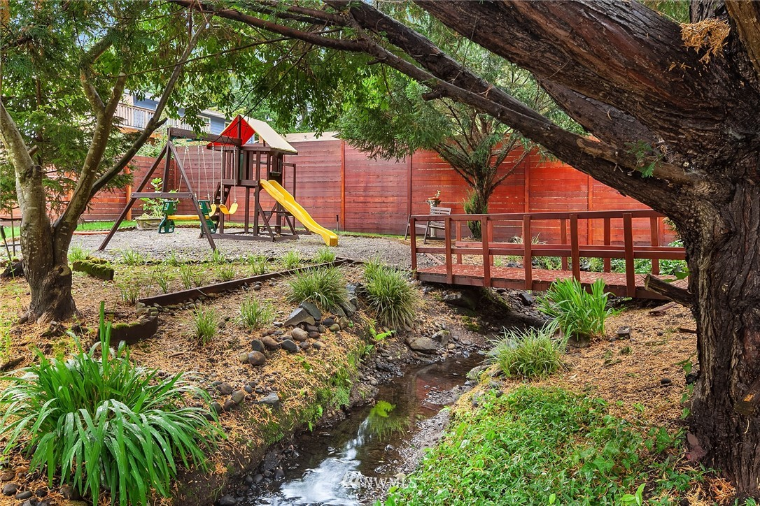Sold Property | 3212 NE 198th Place Lake Forest Park, WA 98155 21