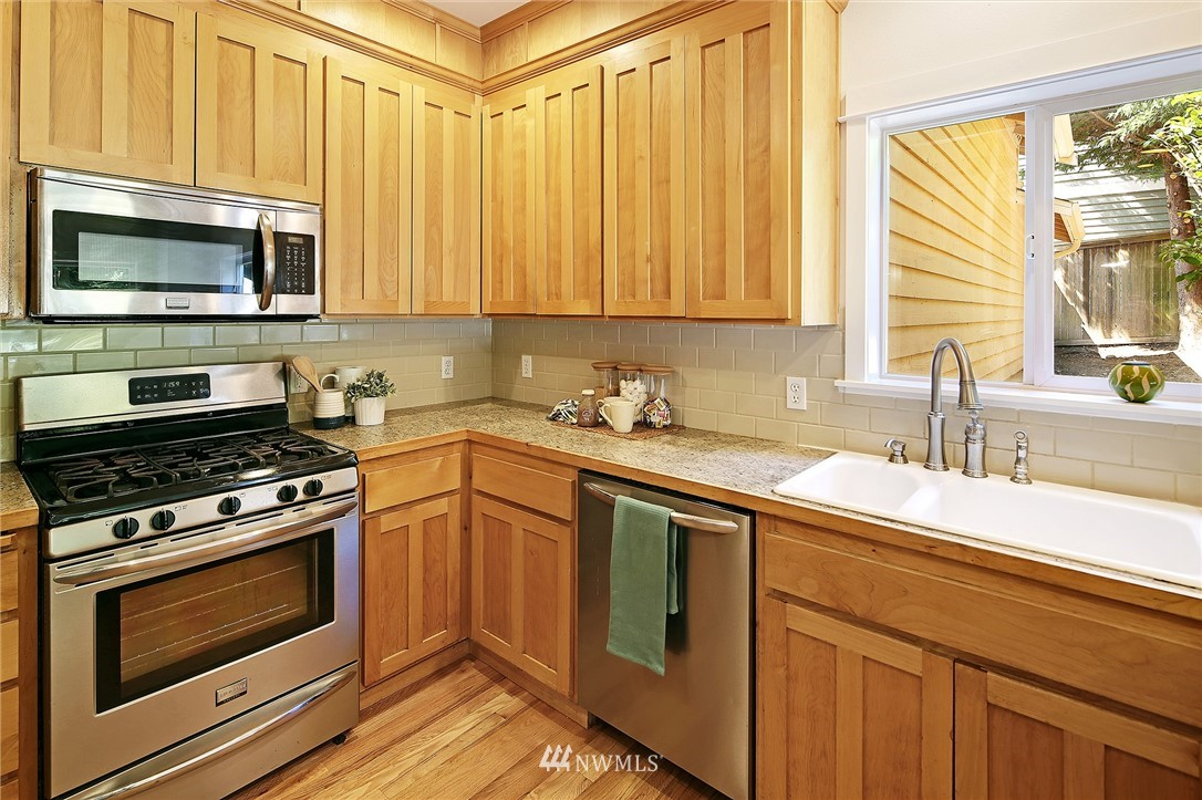 Sold Property   10625 235th Place SW Edmonds, WA 98020 8