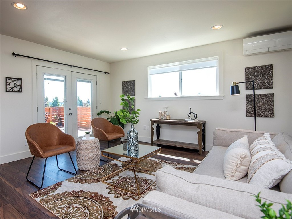 Sold Property   7554 34th Avenue SW Seattle, WA 98126 2