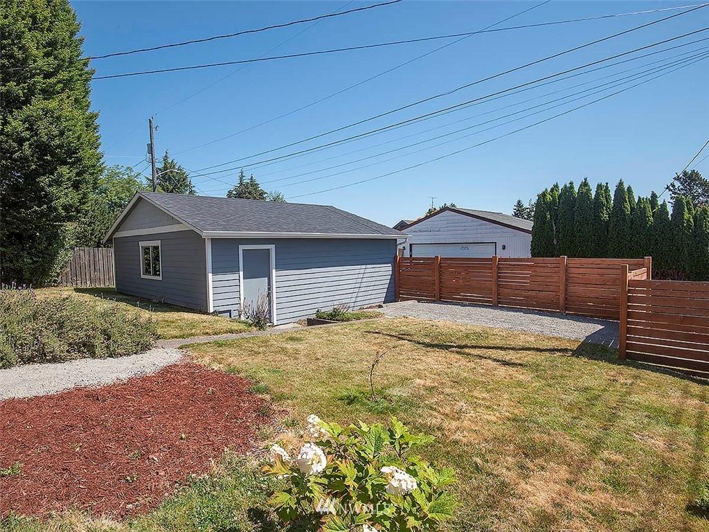 Sold Property   7554 34th Avenue SW Seattle, WA 98126 21