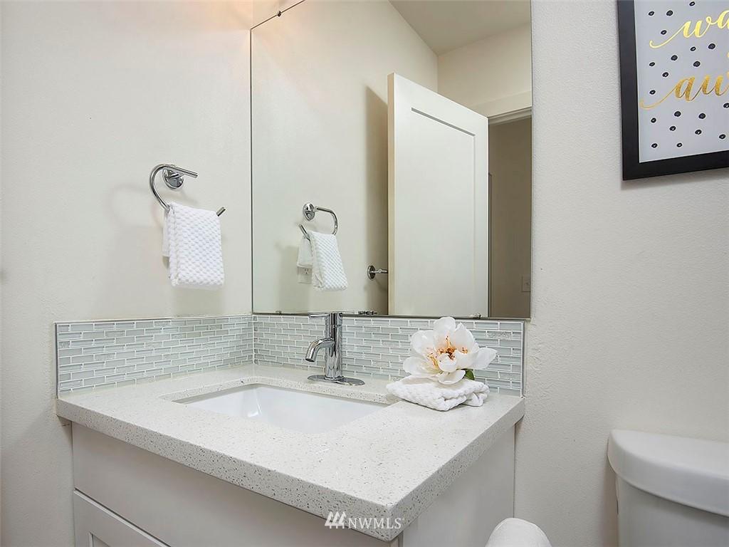 Sold Property   7554 34th Avenue SW Seattle, WA 98126 16