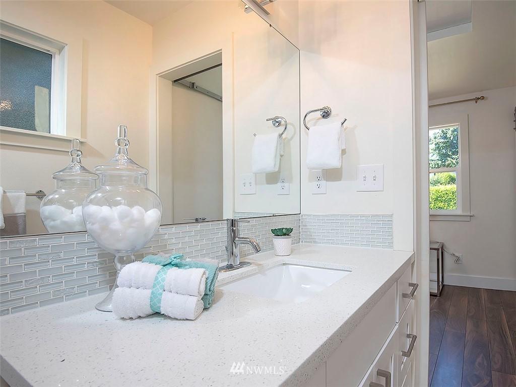 Sold Property   7554 34th Avenue SW Seattle, WA 98126 12