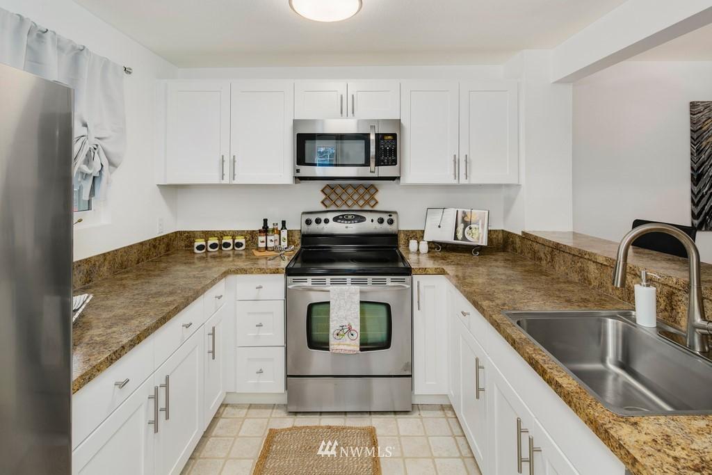 Sold Property | 15600 116th Avenue NE #N4 Bothell, WA 98011 8