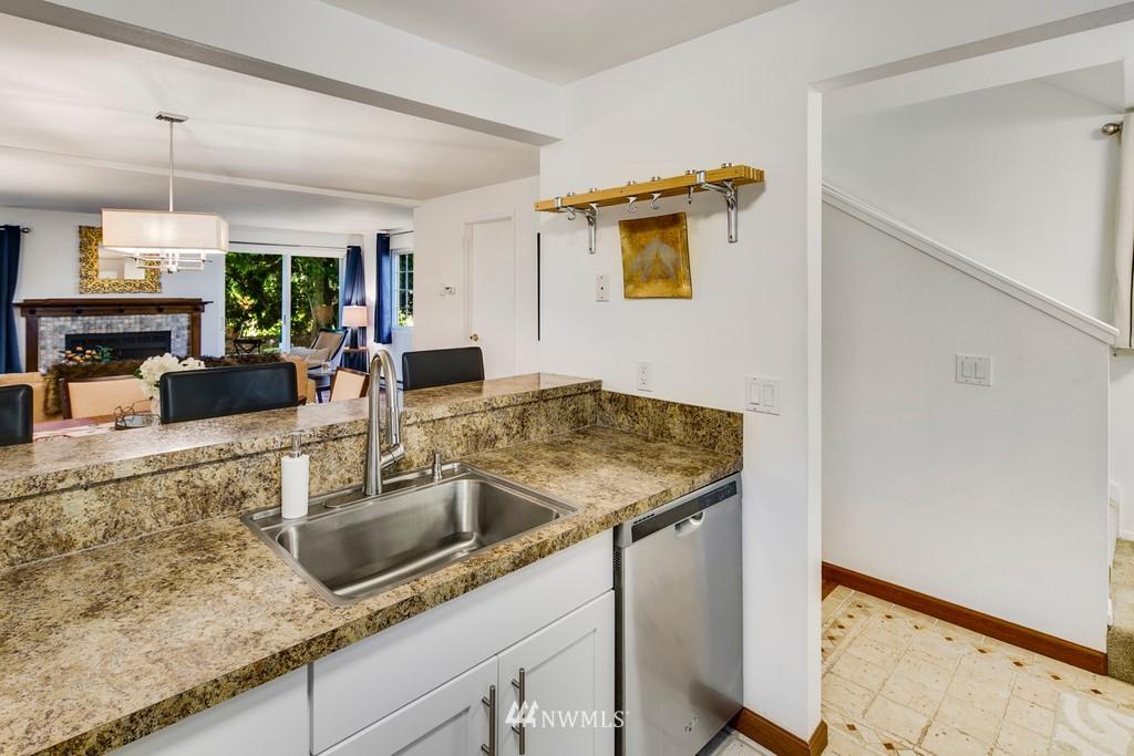 Sold Property | 15600 116th Avenue NE #N4 Bothell, WA 98011 9