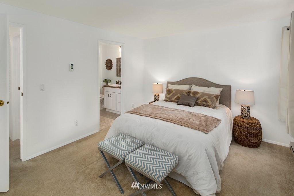 Sold Property | 15600 116th Avenue NE #N4 Bothell, WA 98011 16