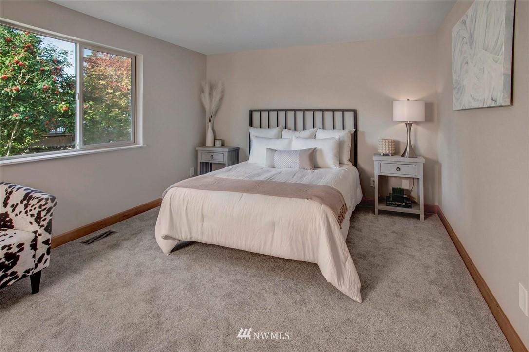 Sold Property | 9033 NE 133rd Pl Kirkland, WA 98034 20