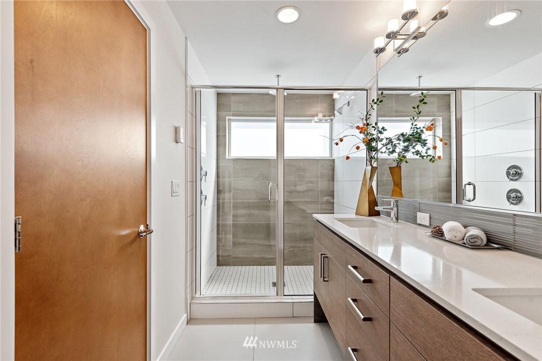 Sold Property   2431 NW 62nd Street #C Seattle, WA 98107 21