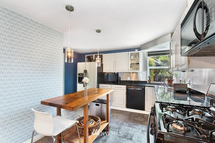 Sold Property | 7308 24th Avenue NE Seattle, WA 98115 6