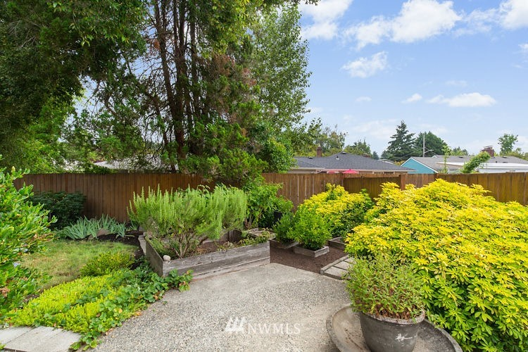 Sold Property | 7308 24th Avenue NE Seattle, WA 98115 21